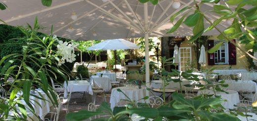 gemütliches Gartenrestaurant